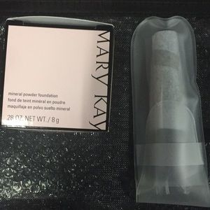 Mary Kay facial powder w/ mirror &brush